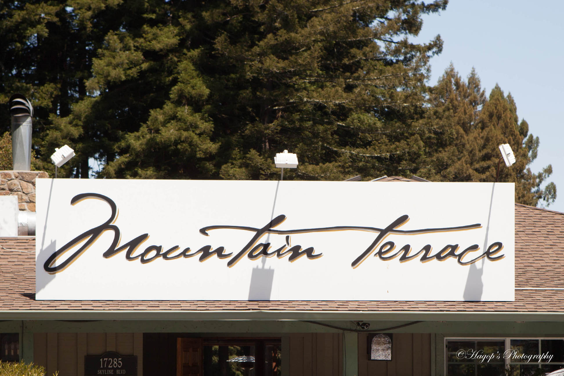 the front sign of mountain terrace