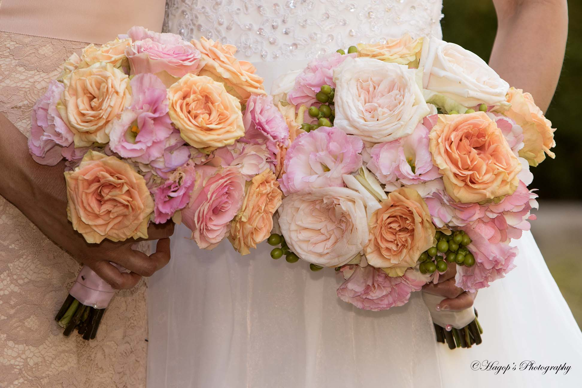 wedding photo of bouquets