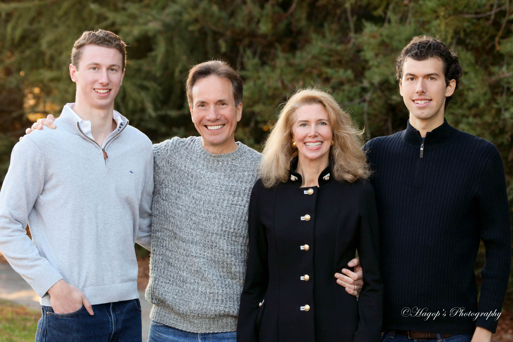 a family of four outdoor portrait in Atherton