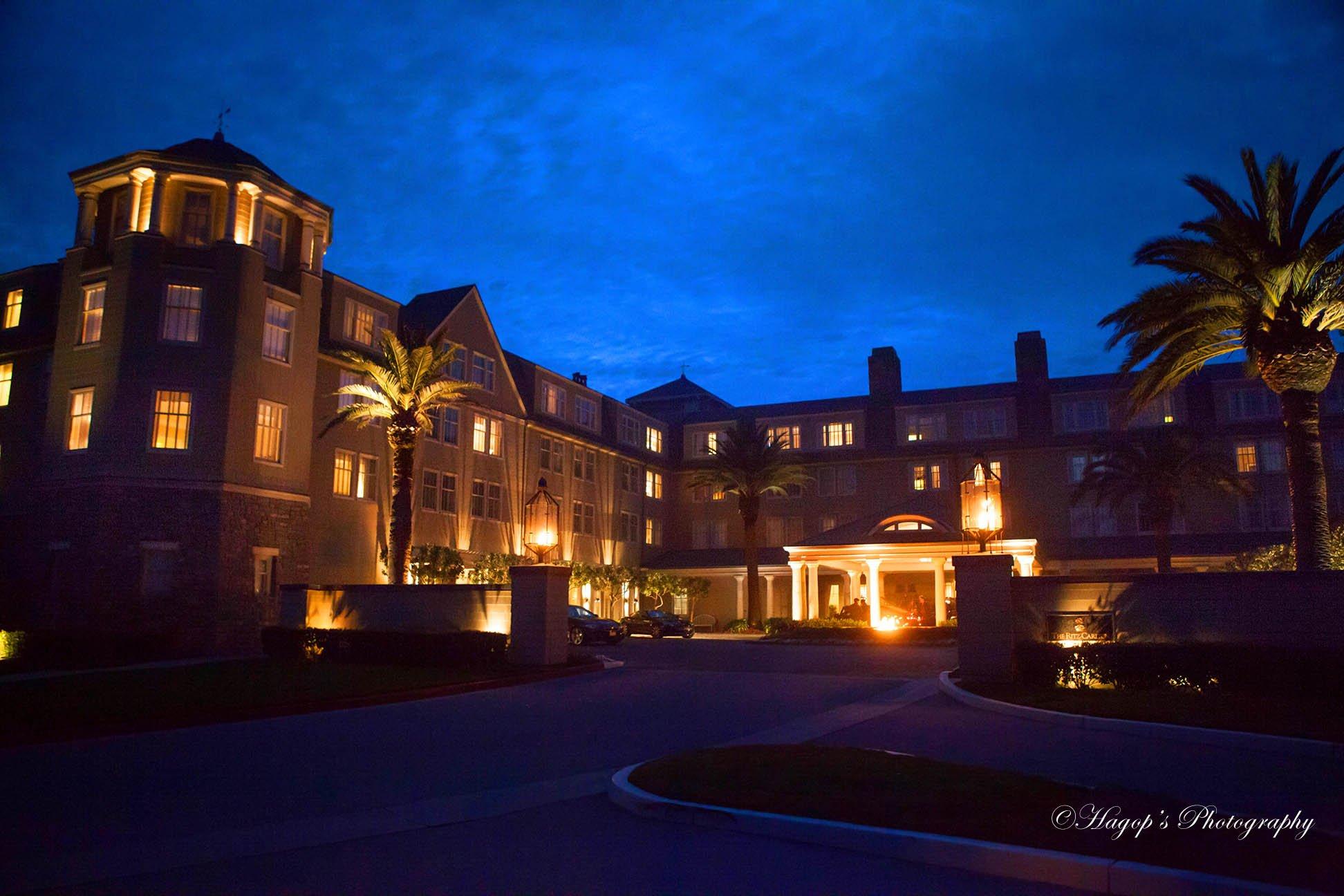 ritz carlton hotel in half moon bay night view