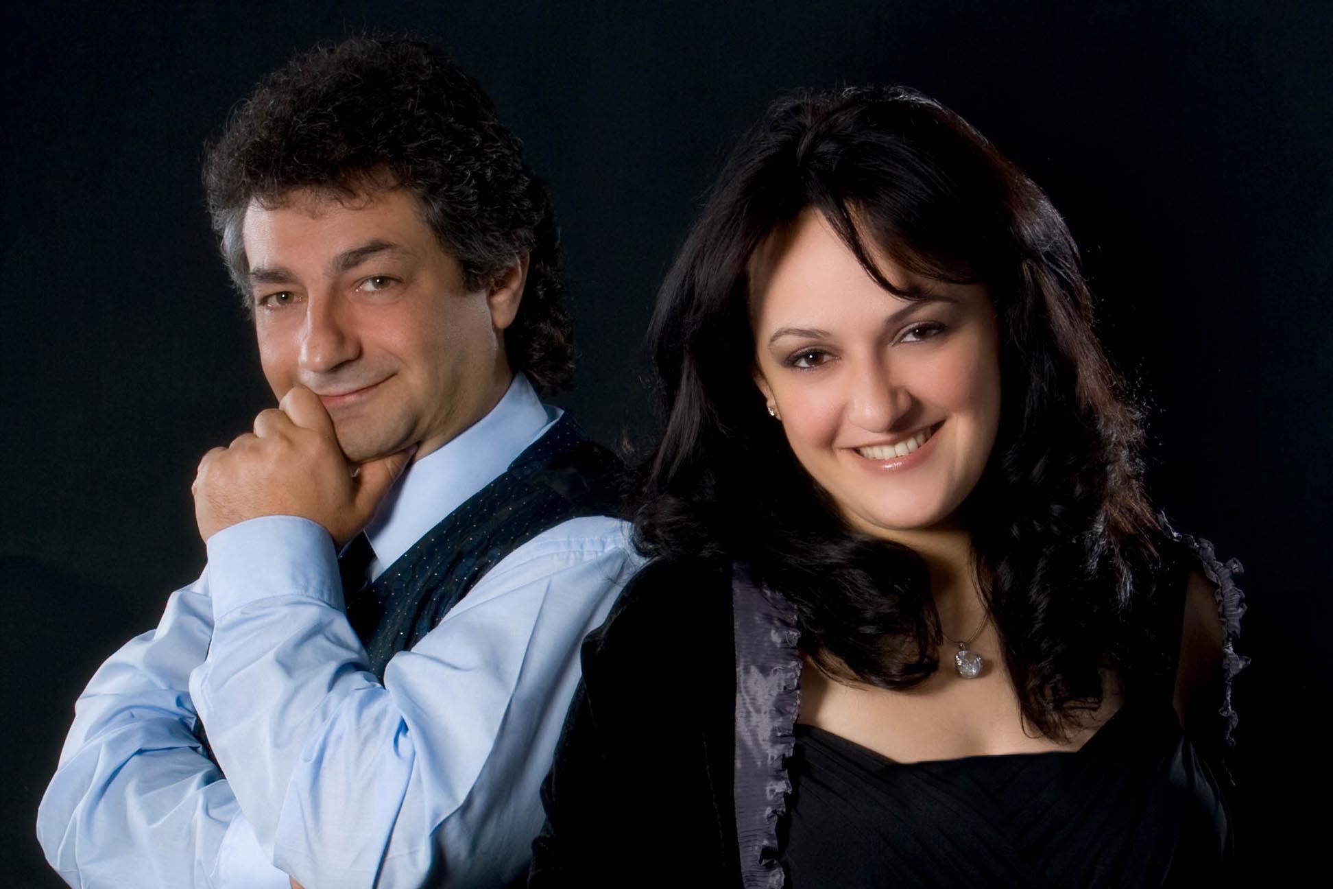 portrait of a couple with black backgroud
